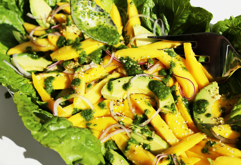 ataulfo-mango-avocado-salad-basil-vinaigrette